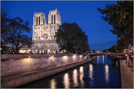 Christian Müringer - Notre Dame de Paris at night (France)