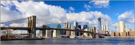 Panoramic Brooklyn Bridge and Manhattan skyline
