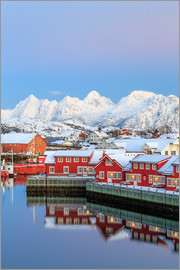 Roberto Moiola - Pink sunset over the typical red houses reflected in the sea, Svolvaer, Lofoten Islands, Arctic, Nor