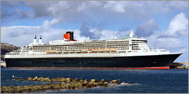 MonarchC - Queen Mary 2 in the port of La Palma