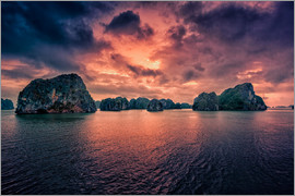 Stefan Becker - Sunrise over Halong Bay