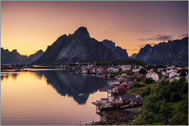 Dennis Fischer - Sunset in Reine, Lofoten, Norway
