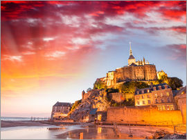 Stunning sunset over Mont Saint Michel