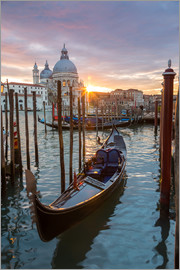 Matteo Colombo - Sunset over Salute basilica with gondola on the Grand Canal, Venice