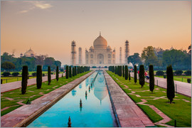 Laura Grier - Sunrise at the Taj Mahal, UNESCO World Heritage Site, Agra, Uttar Pradesh, India, Asia