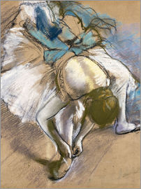Edgar Degas - Dancer Putting On Her shoes
