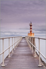 Julian Elliott - The South Jetty lighthouse in Amble on the Northumberland coastline, Northumberland, England, United