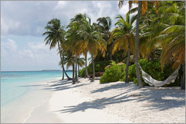 Circumnavigation - Tropical beach with a hammock