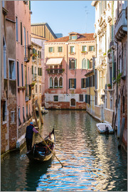 Matteo Colombo - Typical canal in Venice with gondola