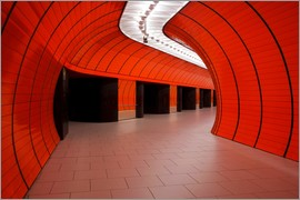 Dennis Flaherty - Subway station at Marienplatz, Munich