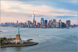 Matteo Colombo - Aerial view of Statue of Liberty and World Trade Center at sunset, New York city, USA