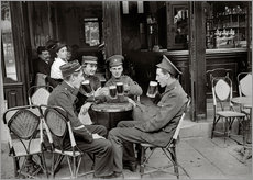 Gallery print  French and English soldiers drinking beer at a cafe - Jacques Moreau