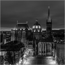 Aachen Cathedral at night black / white