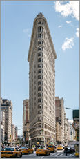 Flatiron Building with taxis