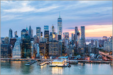 Freedom tower and lower Manhattan skyline at dusk, New York, USA