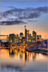 HDR   FRANKFURT SKYLINE MIRRORING IN MAIN RIVER DURING TWILIGHT   GERMANY 1