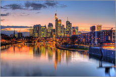 HDR   FRANKFURT SKYLINE MIRRORING IN MAIN RIVER DURING TWILIGHT   GERMANY 2