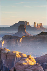 Hunt's Mesa sunrise, Monument Valley Tribal park, Arizona, USA