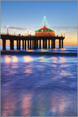 Manhattan Beach Pier at sunset, completed in 1920, Roundhouse Marine Studies Lab and Aquarium (octag
