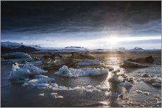 Midnight sun at Jokulsarlon lagoon, Iceland