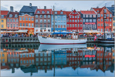 Nyhavn reflected