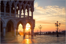 Sunrise over Doge's palace, Venice, Italy