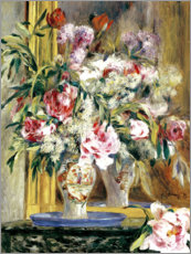 Vase of flowers in front of the mirror