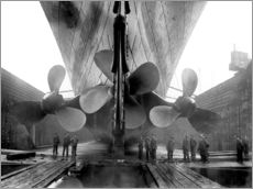 Shipyard workers with the Titanic
