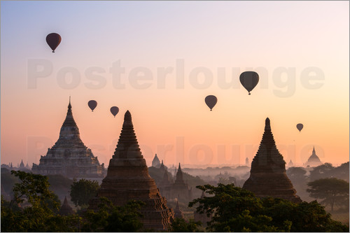 Matteo Colombo - Balloons and temples, Bagan