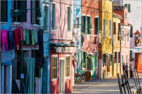 Matteo Colombo - Colorful facades on Burano island
