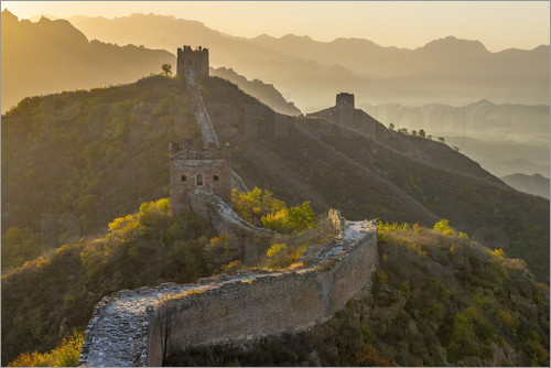 Alan Copson - Great Wall of China, UNESCO World Heritage Site, dating from the Ming Dynasty, section looking towar