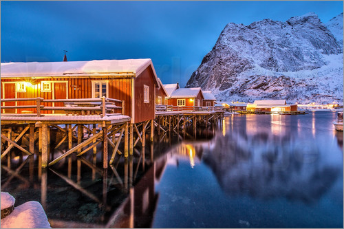 Roberto Sysa Moiola - Dusk on typical Rorbu, Reine, Norway