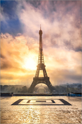 Poster Eiffel Tower in Paris at sunset