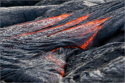 Markus Ulrich - Hot flowing Lava on Big Island, Hawaii