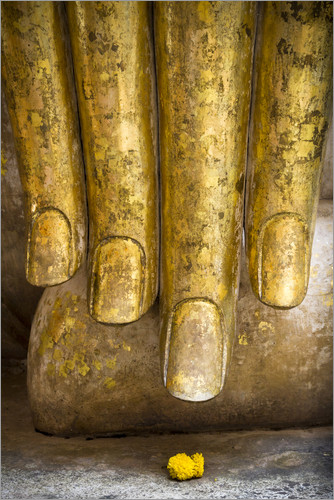 Poster Golden fingers of a Buddha statue