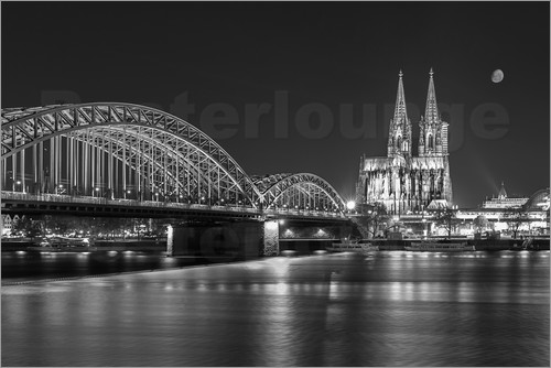 Poster Cologne Cathedral and Hohenzollern Bridge at night (b / w)