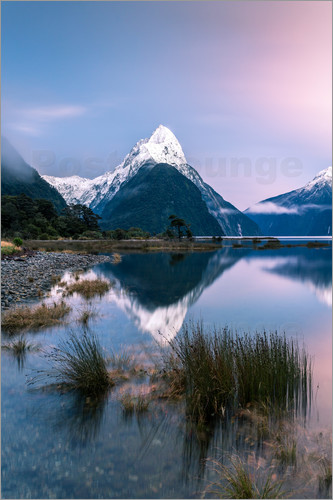 Poster Landscape: sunrise at Milford Sound, Fjordland National park, New Zealand