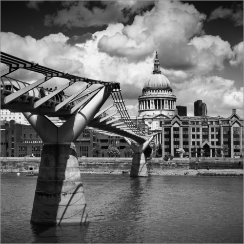 Melanie Viola - LONDON Millennium Bridge and St Paul's Cathedral
