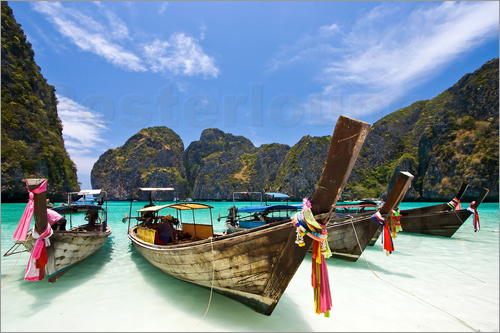 Poster Long tail boat at Maya Bay on the island of PhiPhi