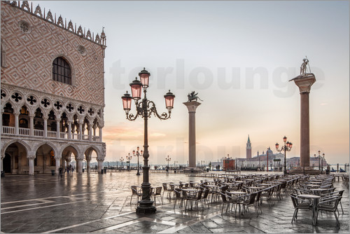 Poster St. Mark's square in Venice during sunrise