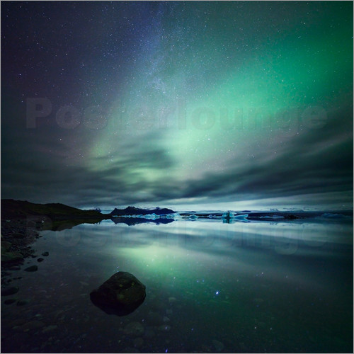 Matteo Colombo - Northern Lights over Jokulsarlon