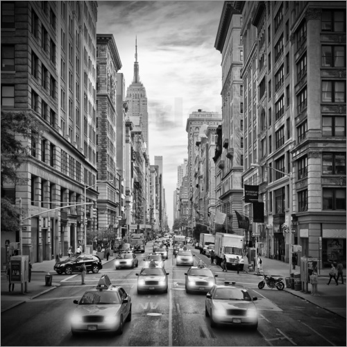Poster NYC 5th Avenue Traffic Monochrome