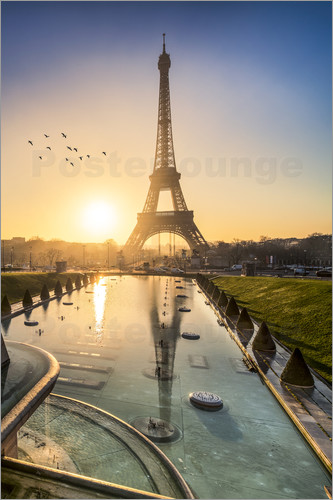 Poster Romantic sunrise at the Eiffel Tower in Paris, France