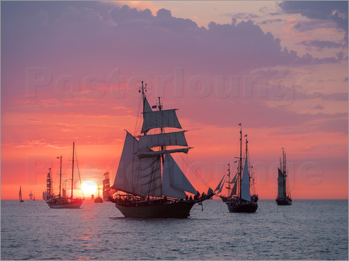 Rico Ködder - Sailing ships on the Baltic Sea in the evening