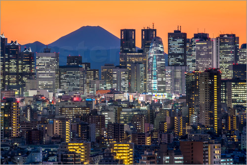 Poster Shinjuku city view at night with Mount Fuji in the background