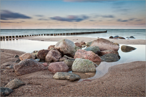 Poster Stones and groynes on shore of the Baltic Sea.