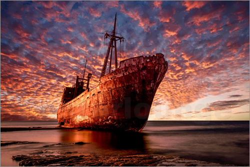 Jaroslaw Blaminsky - Abandoned ship at sunset
