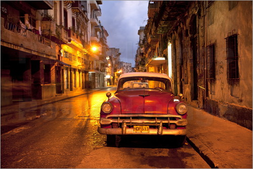 Poster Red vintage American car in Havana