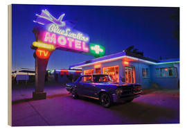 Wood print  The famous Blue Swallow Motel - Julien McRoberts