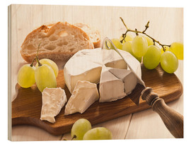 Wood  Cheese and grapes - Edith Albuschat